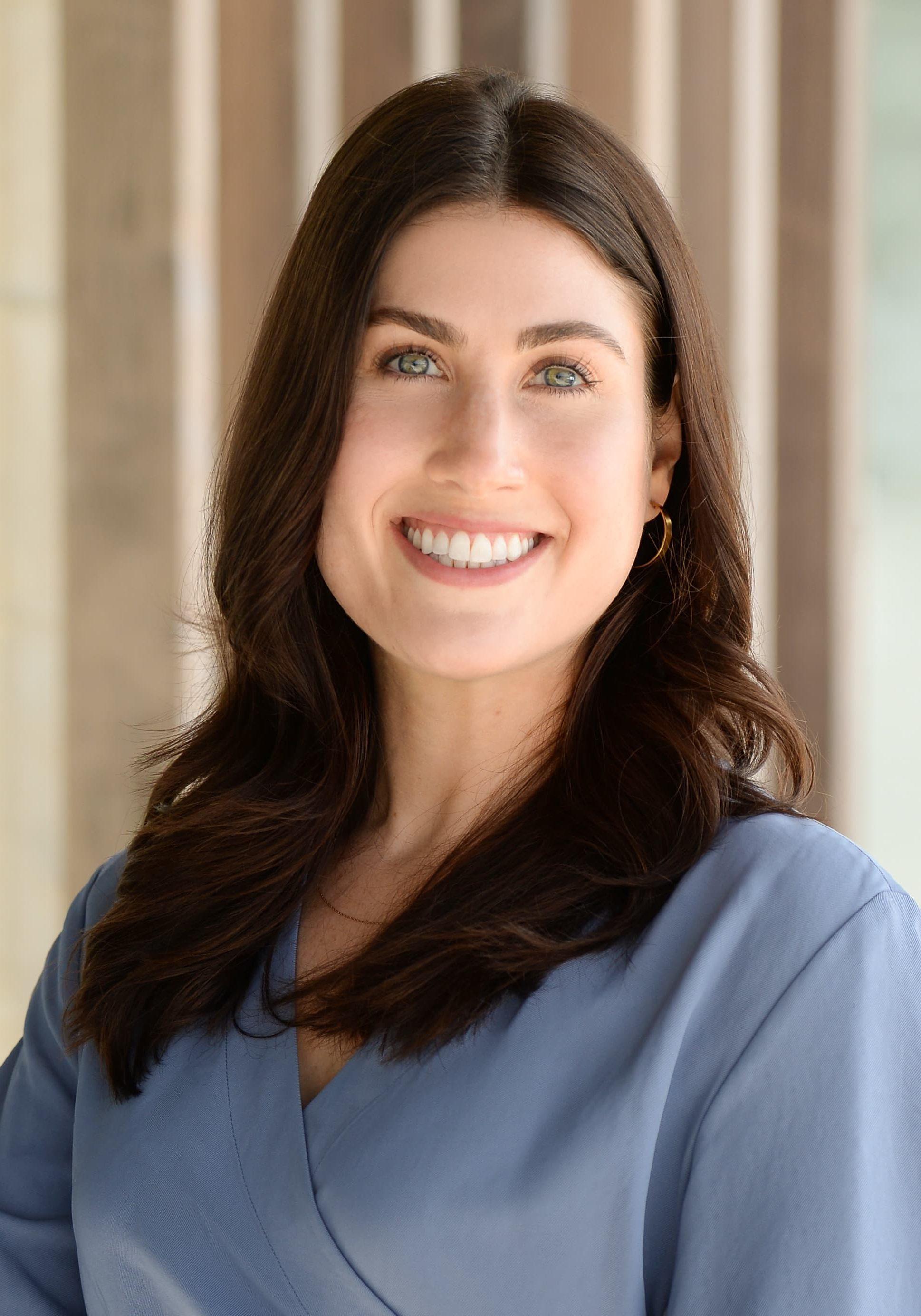 Dr. Ella Skoler Headshot